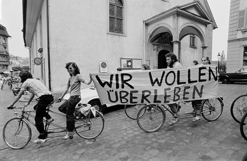 Andere Zeiten, andere Jugendliche: politisches Engagement auf Rädern.