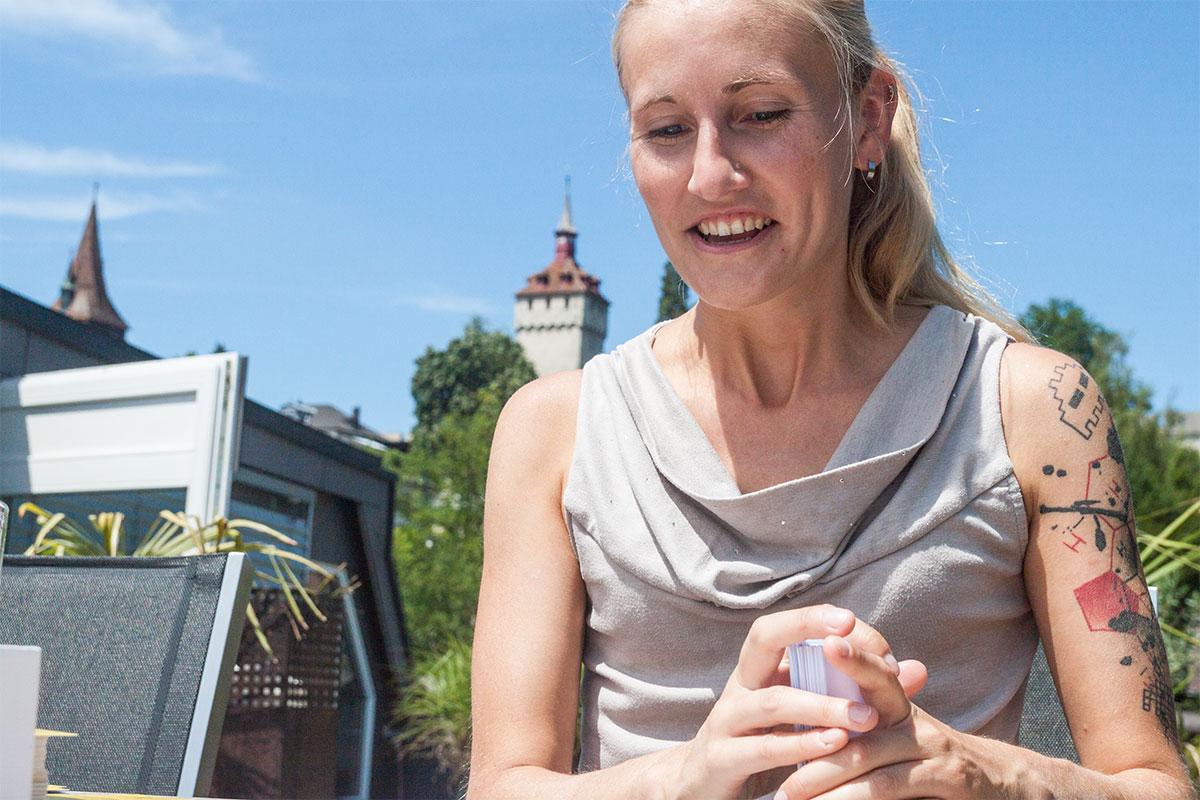Angela Vögtli erhielt für ihr Gesellschaftsspiel «Kampf dem Bünzlitum» viel Lob.