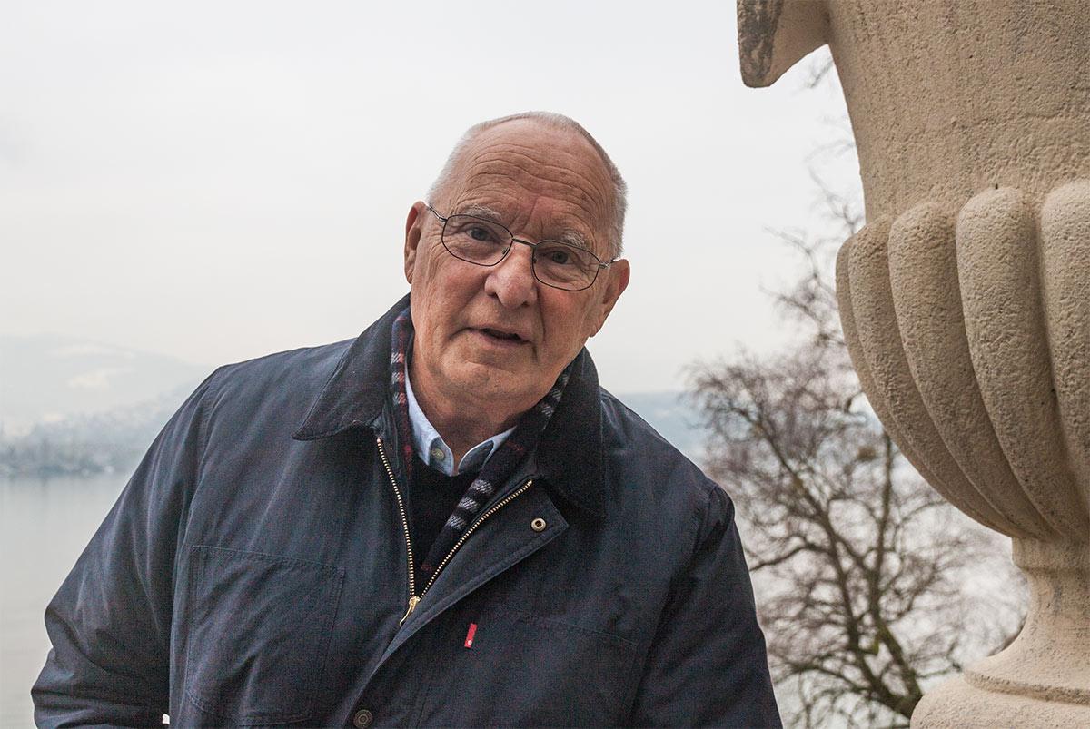 Stiftungspräsident Ulrich Fässler auf der Terrasse des Haus der Schützen.