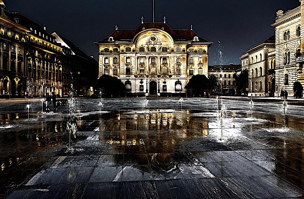Laut Vollgeld-Initiative soll die Nationalbank in Bern die volle Kontrolle über das Geld in der Schweiz haben – gemäss Artikel 99, Absatz 2, der Bundesverfassung:Der Bund allein schafft Münzen, Banknoten und Buchgeld als gesetzliche Zahlungsmittel.