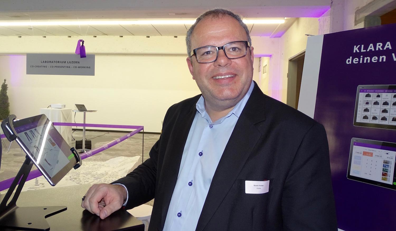 Renato Stalder stellt das neue IT-System vor.