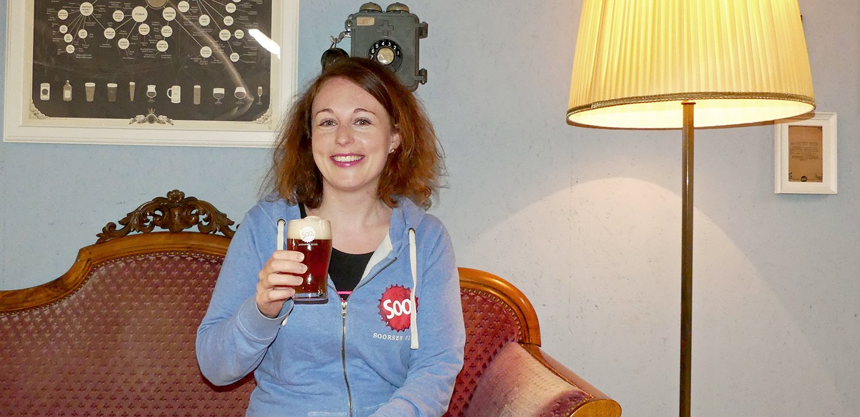 Karin Wagemann (34), die Frau, die lieber Bier statt Schuhe aus den Ferien mit nach Hause bringt.