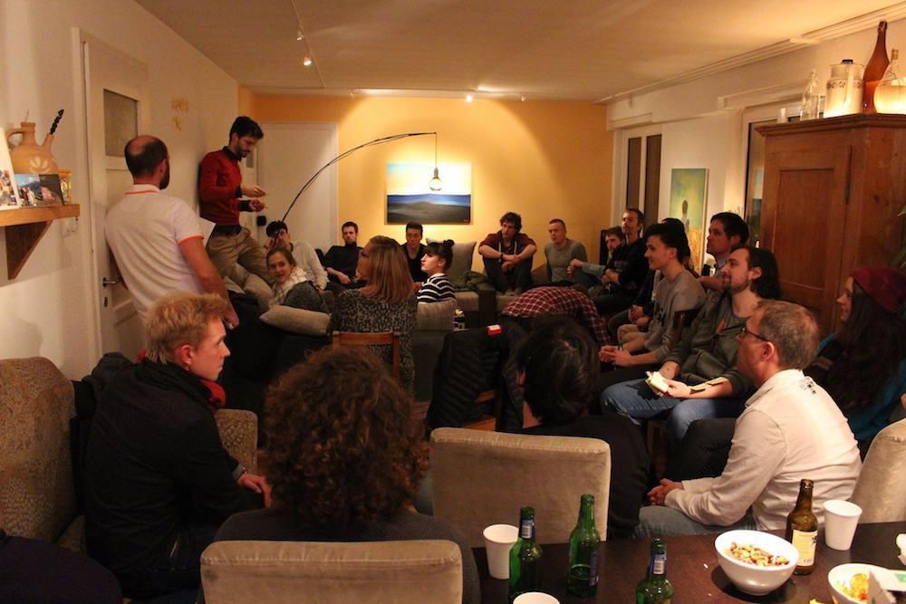 Teammitglieder und Interessenten bei einem bisherigen Community-Treffen.