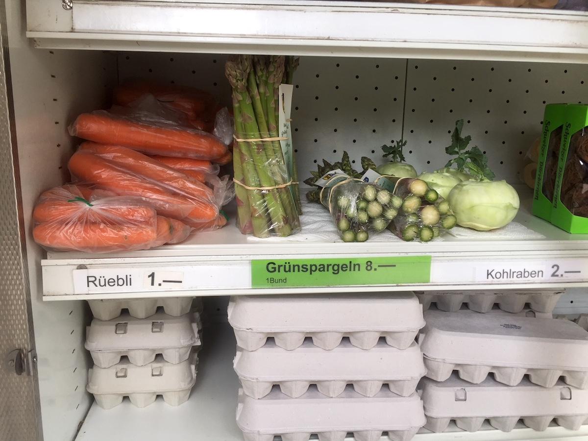 Gemüse, Eier und frische Früchte: Beim Sternenhof gibts das auch am Sonntag.
