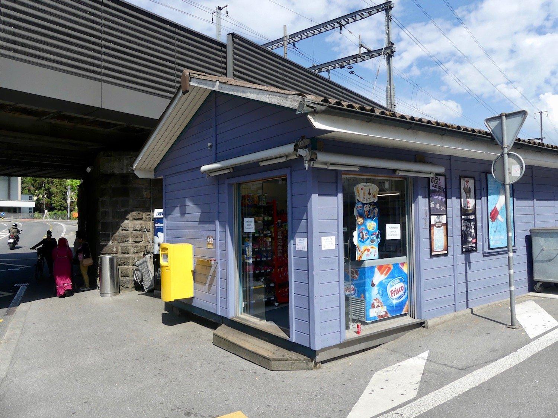 Das Kiosk-Häuschen neben dem Eisenbahntrasse hat Darko Urosevic von seinem Vorgänger gekauft.