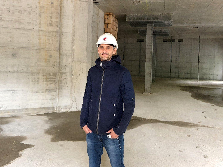 Hier kommt künftig ein Restaurant unter: Benno Zgraggen von der ABL auf der Himmelrich-Baustelle.