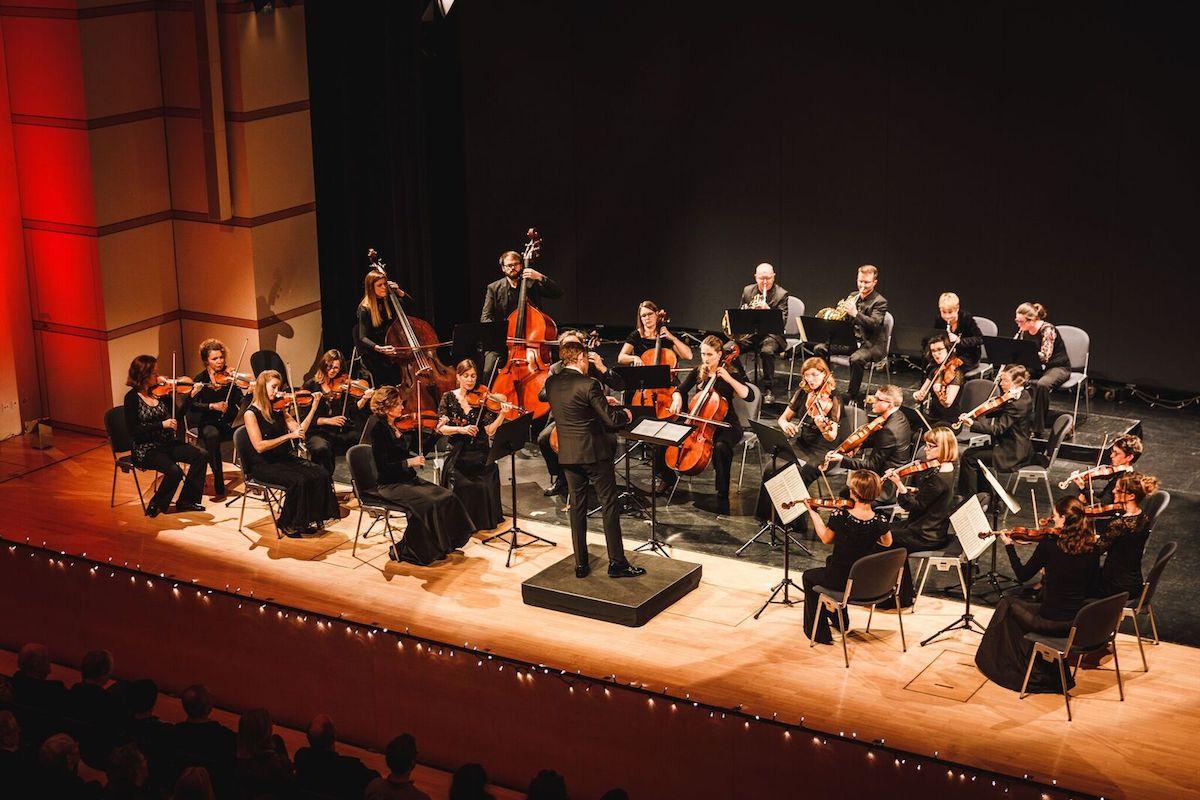 Musik aus einem klanglichen Guss zu formen: das ist die Herausforderung eines Dirigenten.