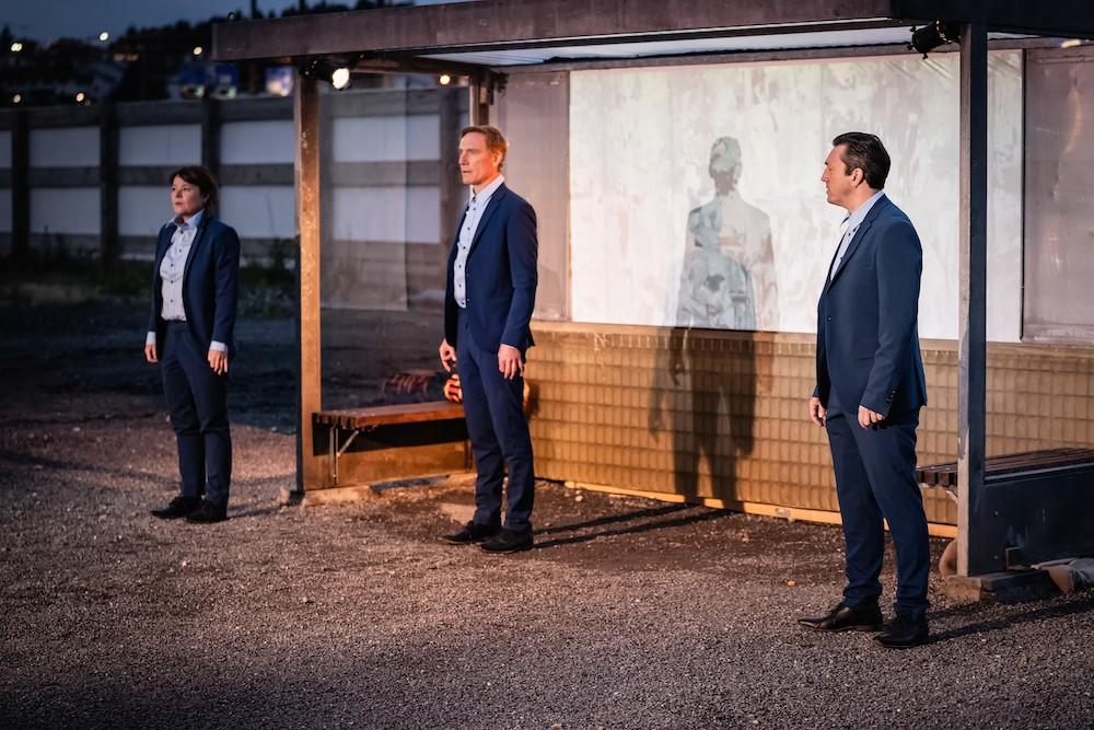 Julia Schmidt, Jürg Plüss und Patric Gehrig als Reto (v.l.).