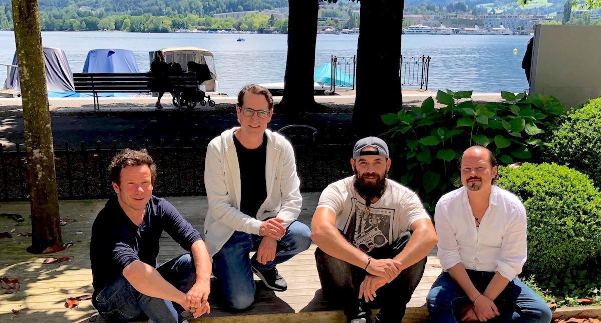 Initiant, Bierschenk, Wirt und Barbetreiber freuen sich auf viel Volk: Bruno Milesi, Dominik Meyer, Dorian Wurzbacher undStefan Chiovelli (von links).