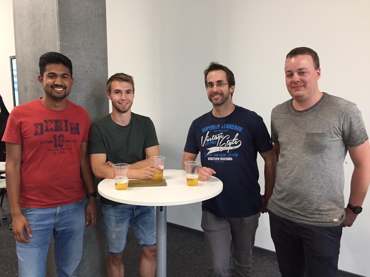 Die Gewinner des Wettbewerbs: Thushjandan Ponnudurai, Steve Keller, Valentin Schuler und Michael Duijts.