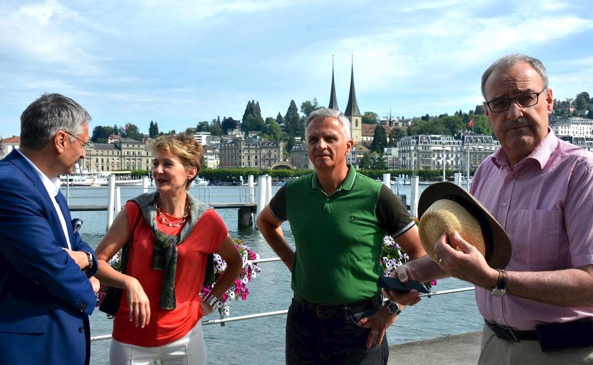 Im letzten Sommer besuchte der Bundesrat die Stadt Luzern. Guido Graf links im Gespräch mit Bundesrätin Simonetta Sommaruga.