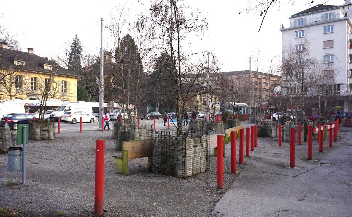 Seit Jahren als provisorischer Park angelegt, soll es am Pilatusplatz nun vorwärtsgehen. Beim Gebäude ganz rechts liegt das Restaurant «Made in Sud».