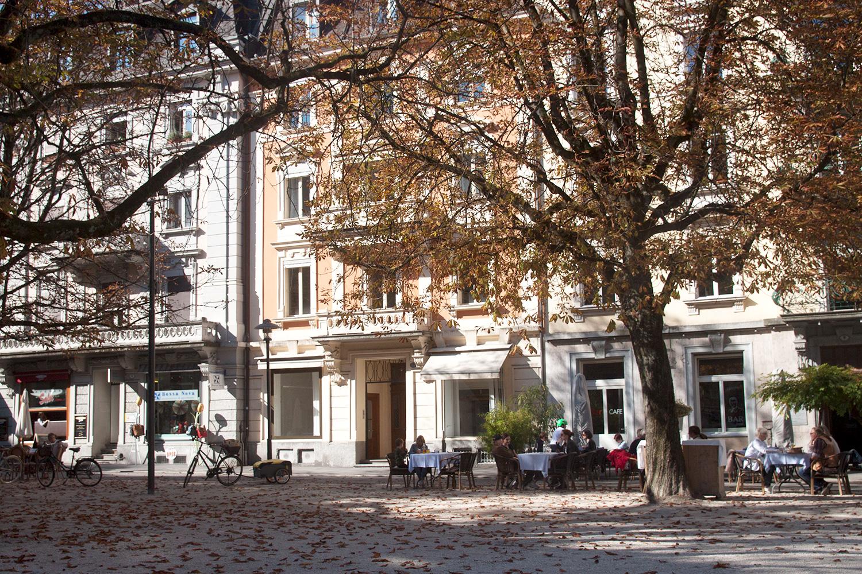 In dieses Lokal in der Mitte kommt die italienische Bar. Links ist das «Salü», rechts das «Helvetia».