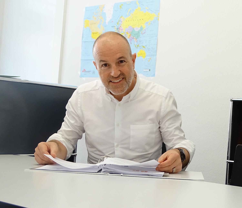 Der Luzerner GLP-Präsident Roland Fischer hat wenig Verständnis für die Zuger Klagen im Parlament bezüglich NFA. Doch für die Steuersenkung macht er dem Kanton keine Vorwürfe.