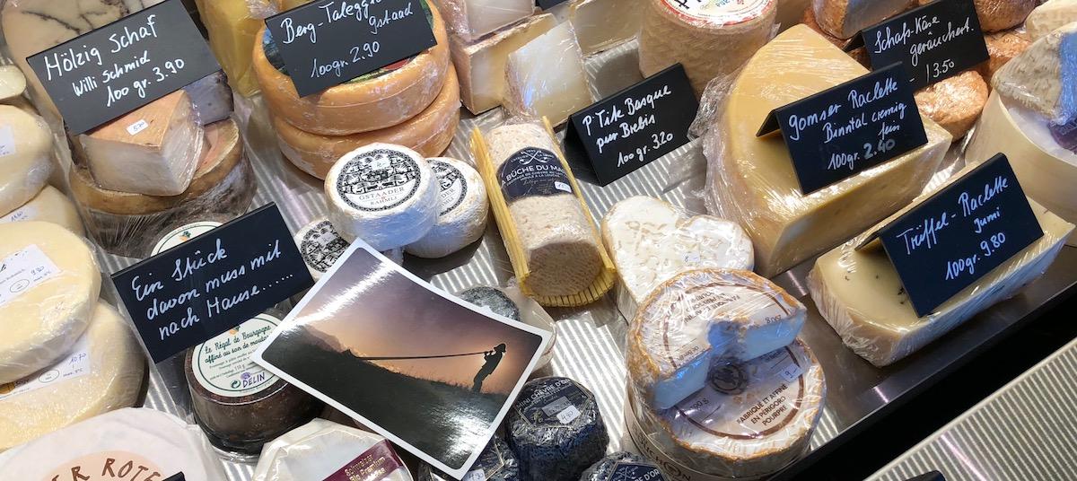 Der «Bacchus» ist nicht nur Restaurant: Im Shop werden auch Käse, Wein und andere Spezialitäten verkauft.