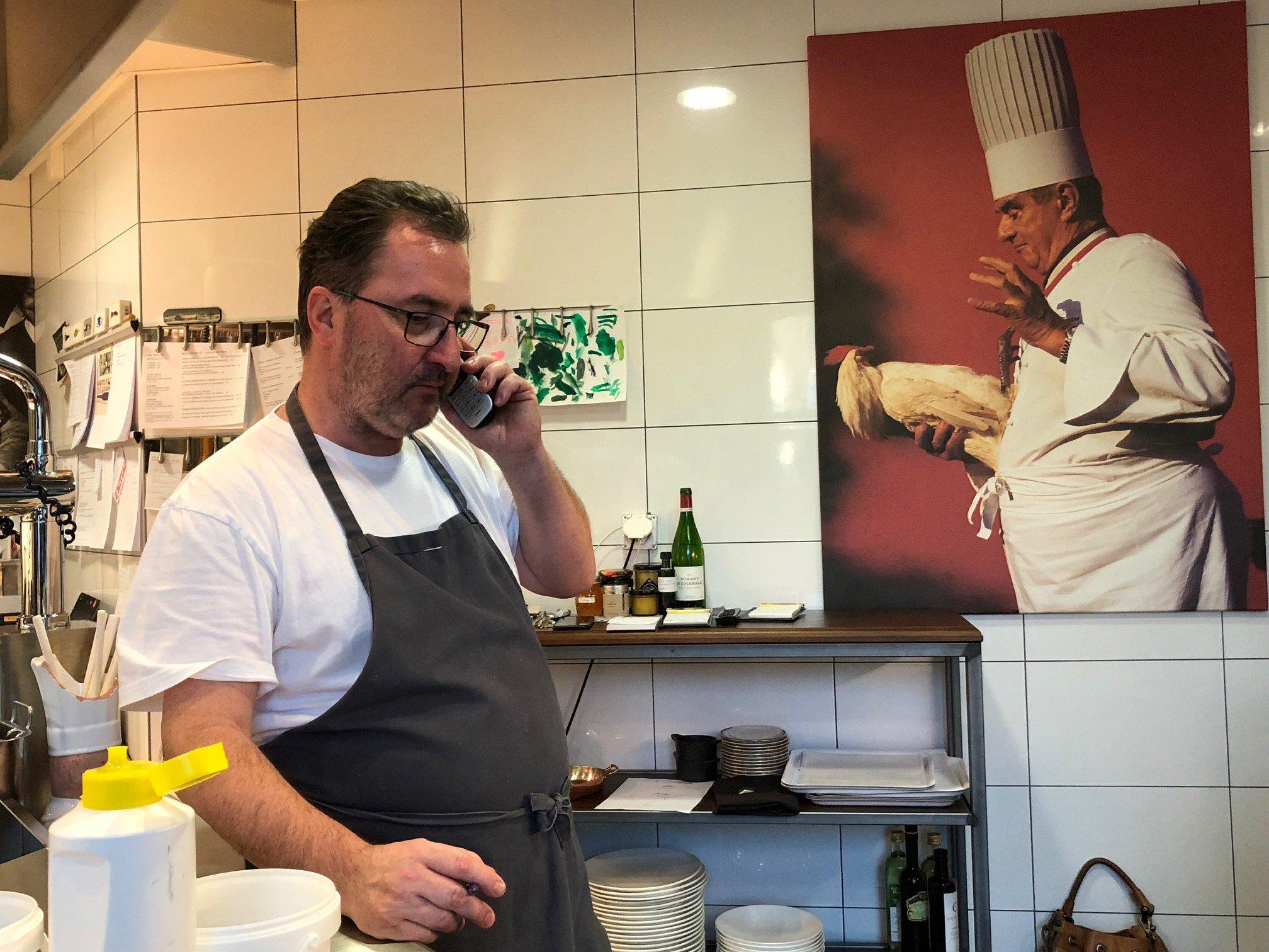 Über allem wacht der Kochgott: Bocuse liefert Tobler auch Ideen wie seine berühmte Zwiebelsuppe.