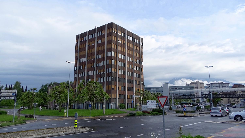 Das Verwaltungsgebäude der Gemeinde Emmen wird auch als Schoggiturm bezeichnet.