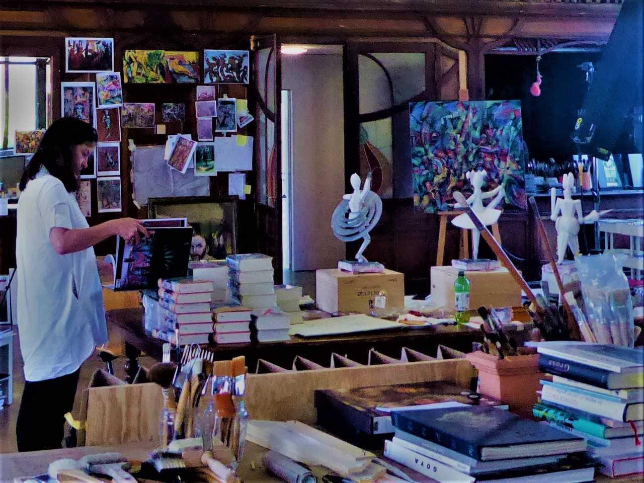 Im Atelier von Beltracchi fühlt man sich zwischen beklemmt und fasziniert.