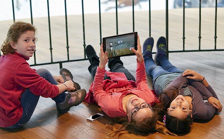 Gerade für die jungen Museumsbesucher ist der interaktive Rundgang mit Tablet und App gleich viel attraktiver.