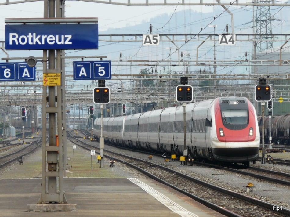 Auch der geplante Doppelspurausbau der SBB in Walchwil schreckt jetzt so manchen Expat im Schlaf auf – aus Furcht vor mehr Lärm und quietschenden Zügen.