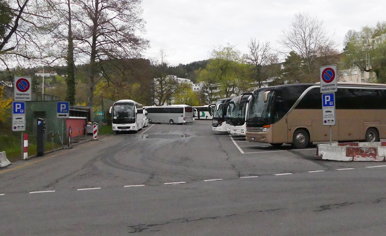 Die 13 Carparkplätze beim Brüelmoos sind gut genutzt, auch an einem hundskommunen Montagnachmittag.