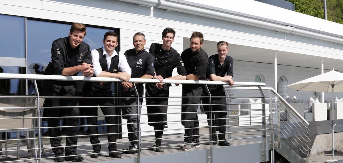 Team vor Bootshaus: Jeroen Achtien (links) mit seiner «Sens»-Crew.