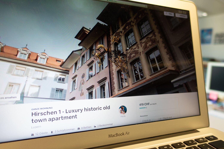 Unter anderem in diesem Haus am Hirschenplatz vermietet Patrik Berisha mehrere Apartments über Airbnb.