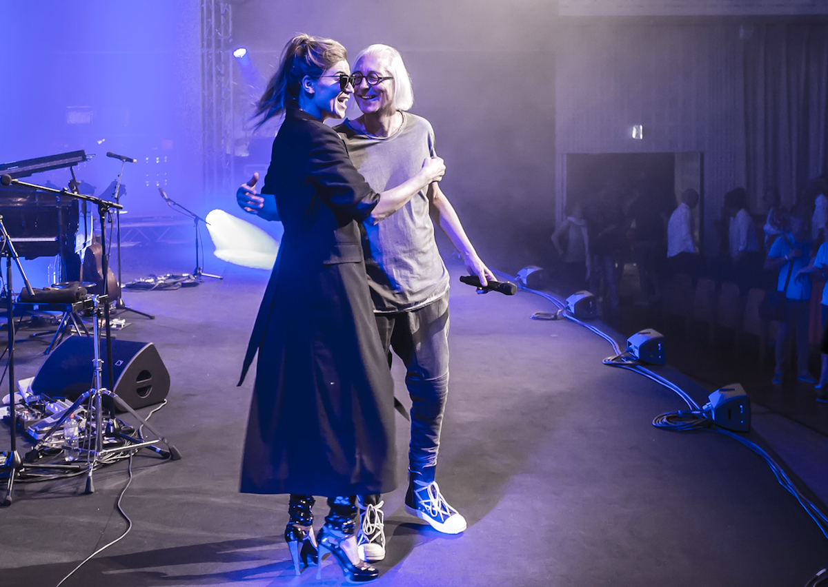 Zum vierten Mal zufrieden miteinander: die Sängerin und der Festivalleiter nach dem Konzert im KKL.