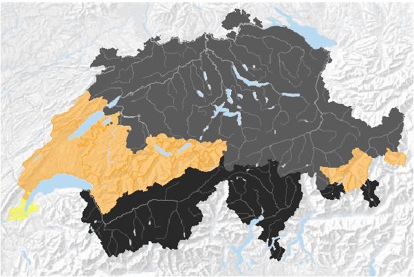 In der Zentralschweiz gilt wie in vielen Kantonen der Deutschschweiz Feuerverbot im Wald und in Waldnähe. Im Süden gilt gar ein absolutes Feuerverbot, während in der Romandie und in Teilen Graubündens erst Empfehlungen, aber keine Verbote ausgesprochen wurden. (Grafik: Bundesamt für Umwelt)