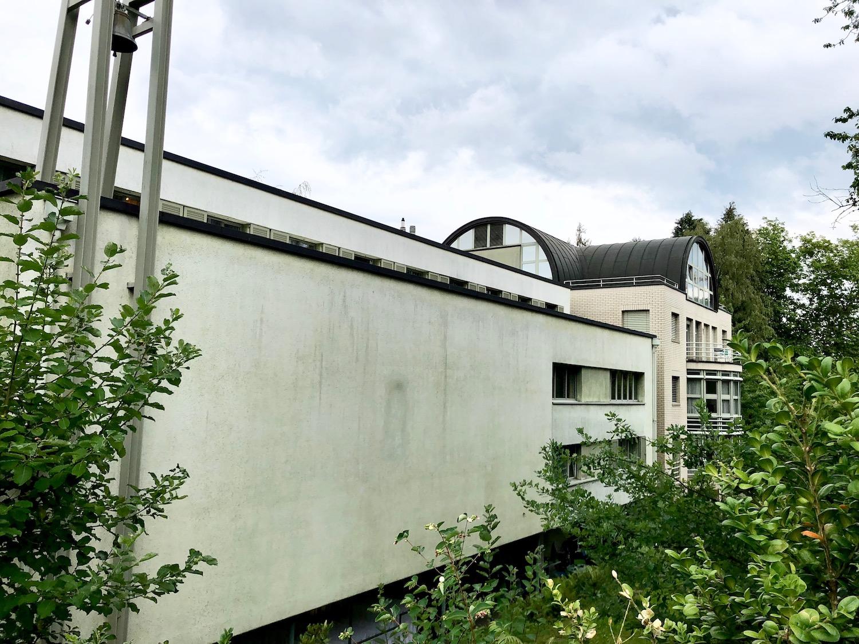 Das Seminarhaus Bruchmatt liegt in einem Wohnquartier im Grünen.
