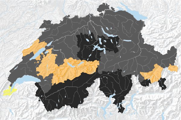 Die Waldbrand-Gefahrenkarte des Bundes am Montagnachmittag: Beinahe in der gesamten Schweiz wurde inzwischen ein vollständiges (schwarz) oder teilweises Feuerverbot (grau) erlassen.