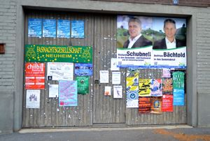 Zwischen Chilbi und Fasnacht. SVP-Wahlplakate