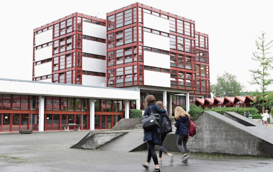 Die Kantonsschule Zug soll langfristig entlastet werden.