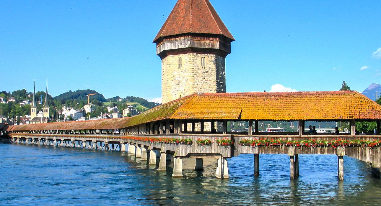 Die Luzerner Kapellbrücke ist nicht nur eine touristische Attraktion, hier hat es auch immer Schatten: ein «Schatten-Highway» quasi.