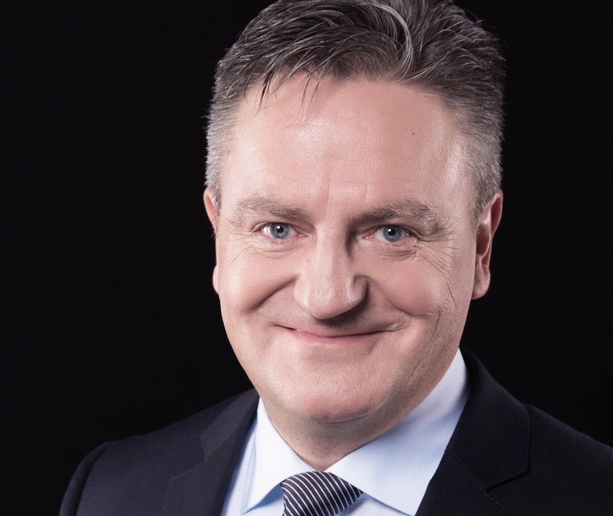 Anzugträger aus Passion: Marcel Zischler ging als Bundesrat Didier Burkhalter durch.