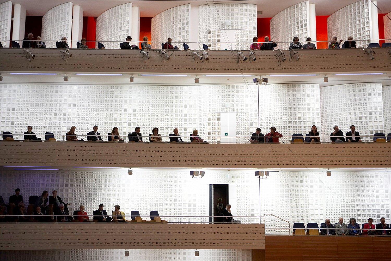 Nicht von allen Sitzen hat man eine ideale Sicht auf die Bühne, lautet ein Vorwurf an den Konzertsaal.