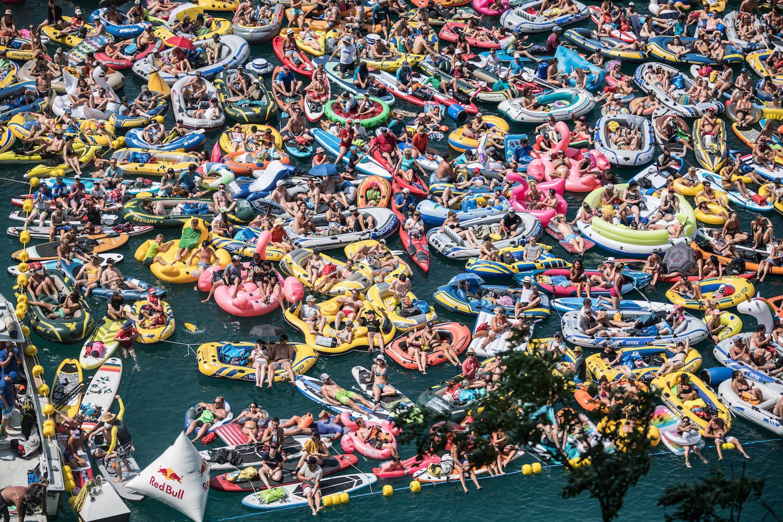 Beim «Red Bull Cliff Diving» duellierten sich die besten Klippenspringer der Welt. Rund 8'200 Zuschauer verfolgten den Event.