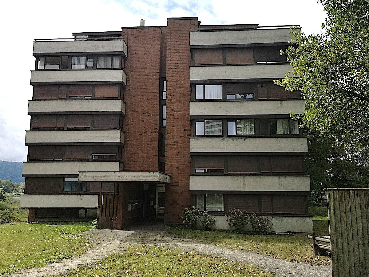 Das Haus Alpenblick 8 ist eigentlich ein «Stummelbau» im Verhältnis zu seinen viel grösseren Nachbarn.
