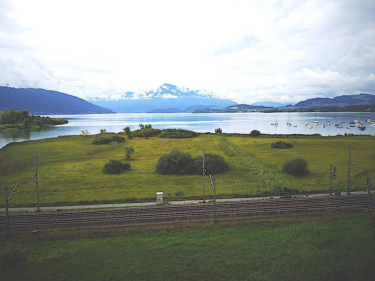 Faszinierendes Panorama: Man spürt die Seele der Landschaft von der Terrasse des Alpenblick-Hauses 8.