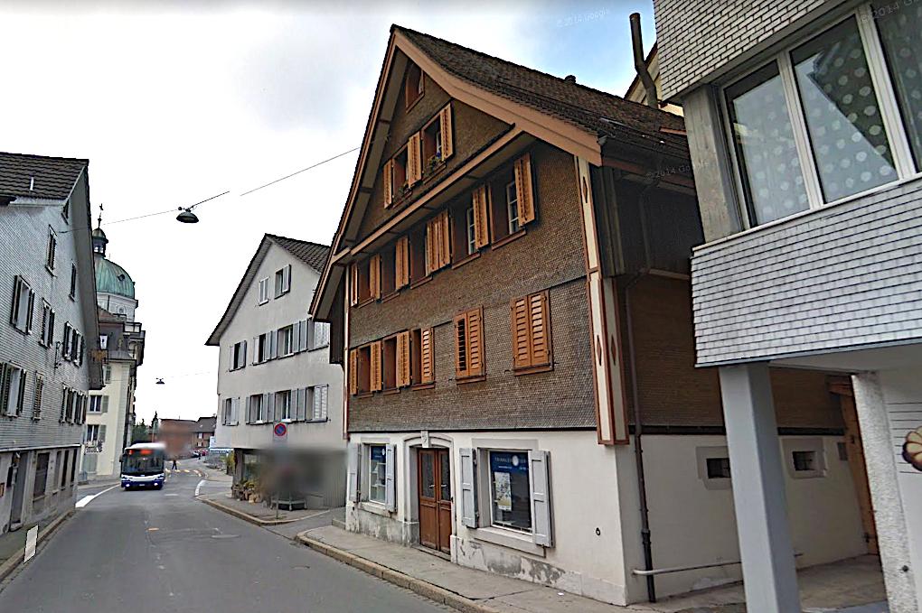 Auch hier wohnen Zuger: Im 1423 erbauten Haus in der Hauptstrasse 6 in Menzingen.
