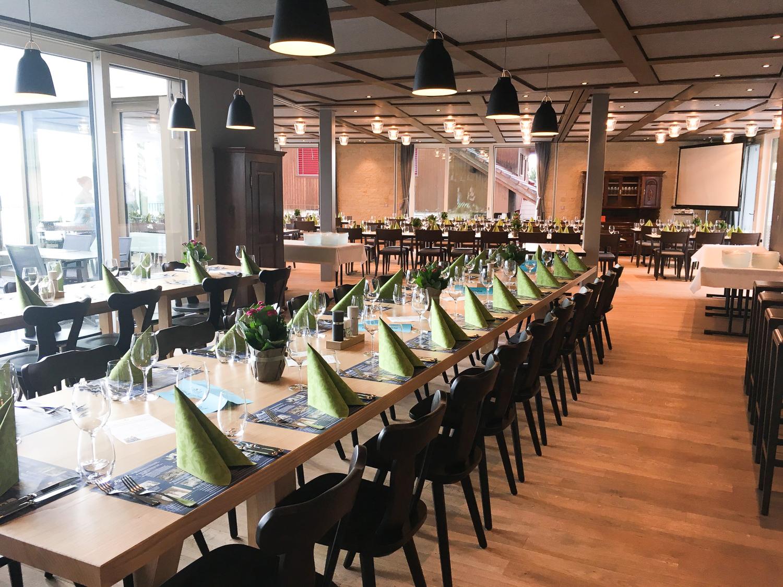 Das neue Restaurant Aesch bittet zu Tisch.