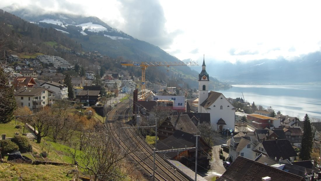 In Walchwil soll künftig eine Doppelspur entstehen. Nach fünf Jahren juristischem Streit geht es nächstes Jahr los mit dem Bau der 2,2 Kilometer langen Spange.