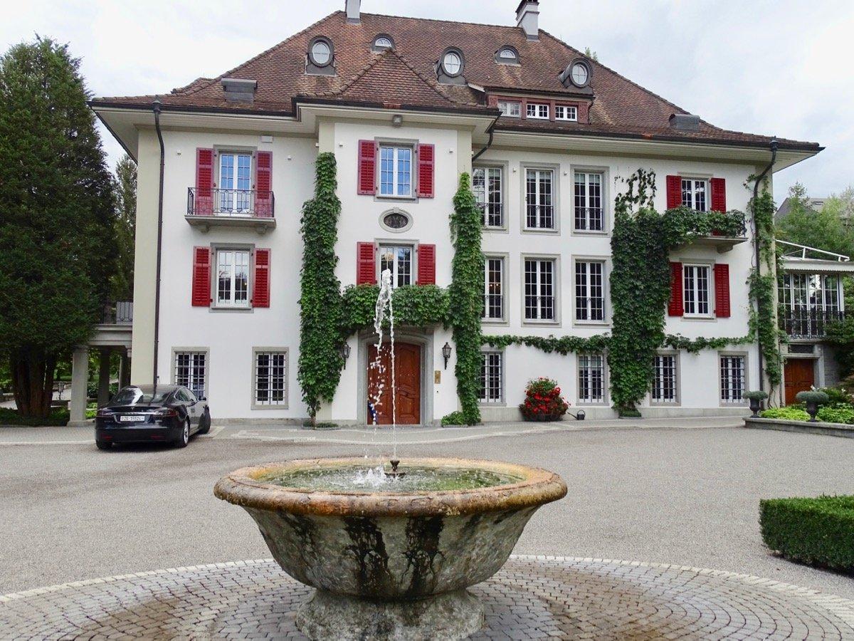 Die Villa Hammer liess Lüdi vor wenigen Jahren in grossem Stil renovieren.
