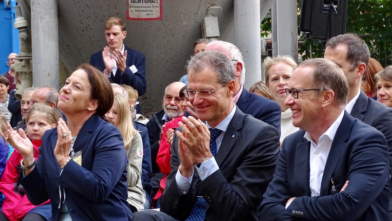 Freuen sich bereits auf die Eröffnung des Felsenweges: Regierungsrat Reto Wyss (rechts) und Stadtrat Martin Merki.