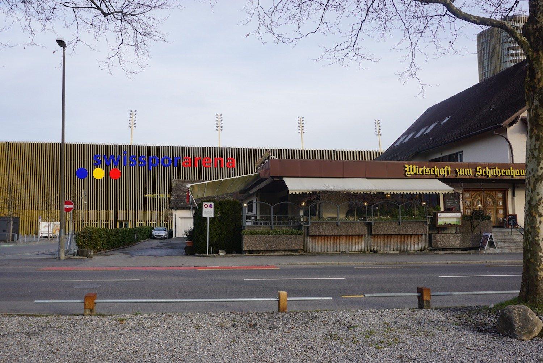 Das Restaurant Schützenhaus direkt neben der Swissporarena auf der Luzerner Allmend.