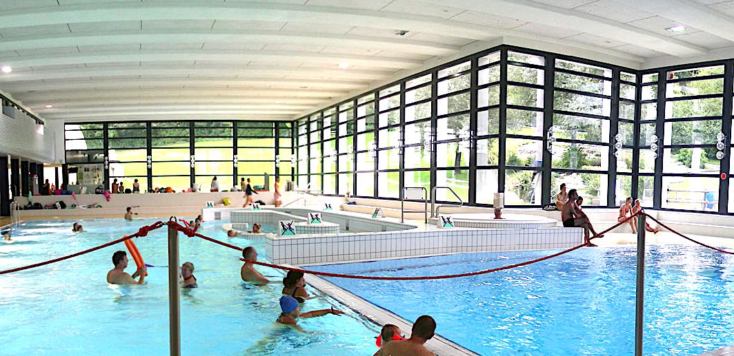 Ins Schwimmbad Lättich in Baar kamen trotz Hitzesommer nicht viel mehr Besucher als im Vorjahr. Grund: Das Schwimmbad ist Frei- und Hallenbad zugleich.