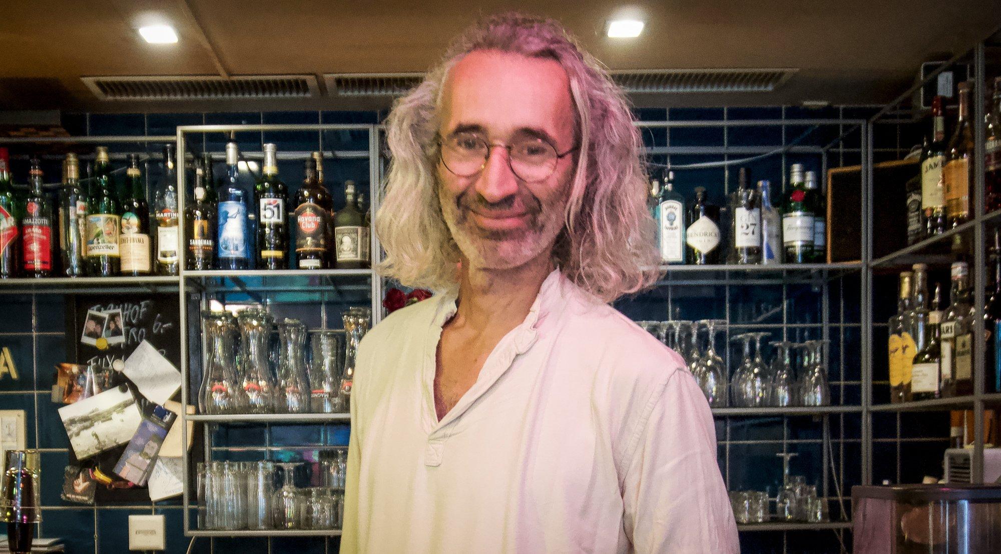 Carlos Eichmann sucht ein neues Gesicht für das «Magdi» an der Luzerner Eisengasse.