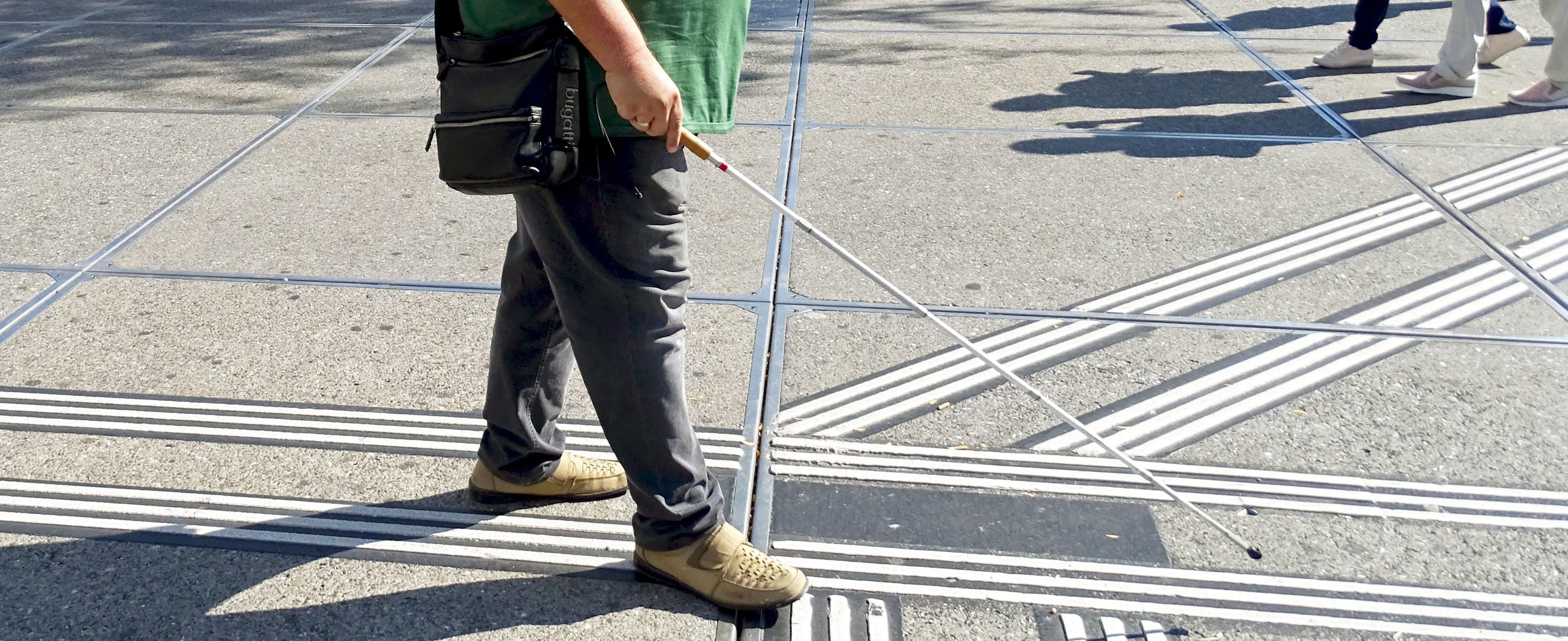 Das Blindenleitsystem führt Blinde durch die Strassen. Doch was, wenn dieses aufhört?