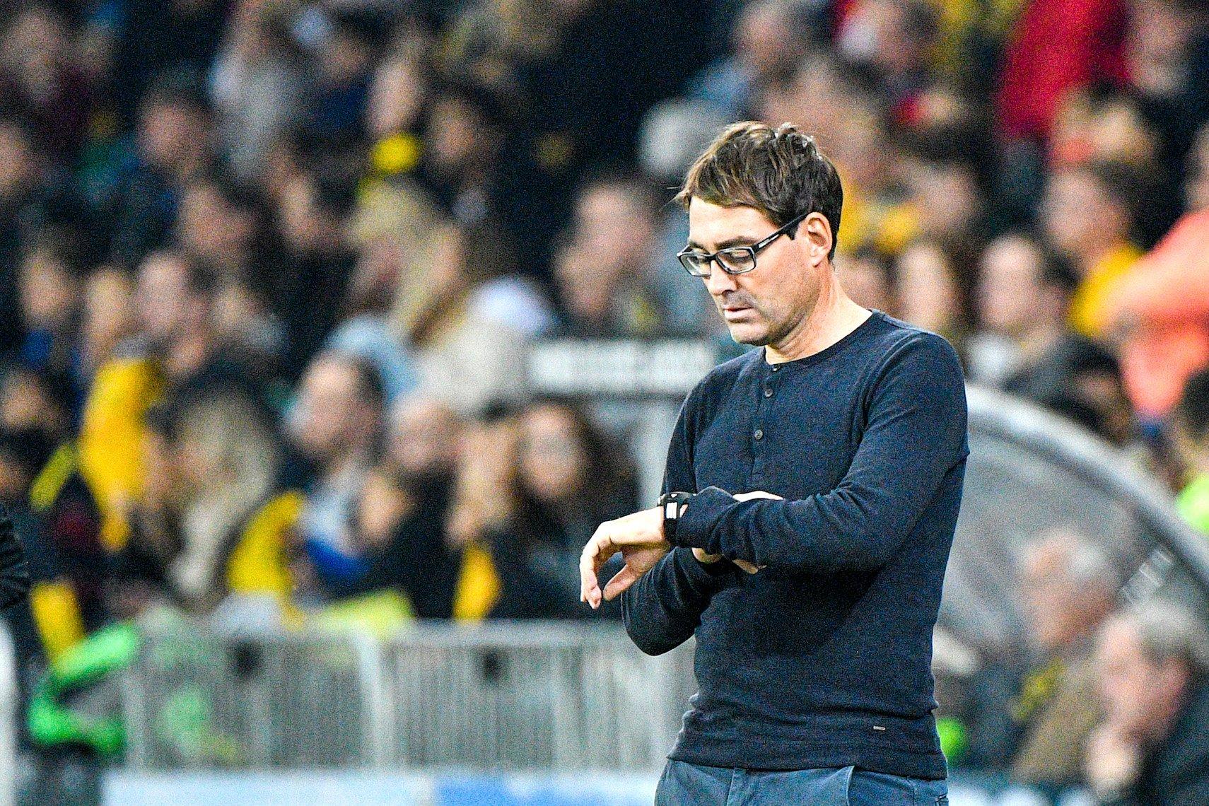 Trendsetter und FCL Trainer Rene Weiler mit Zauberlehrlingsbrille.