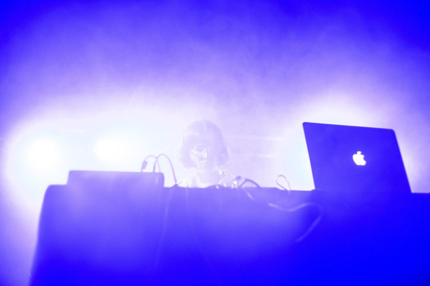 Sie beschallt den Neubad-Pool: Martina Lussi, hier bei ihrem Auftritt am B-Sides.